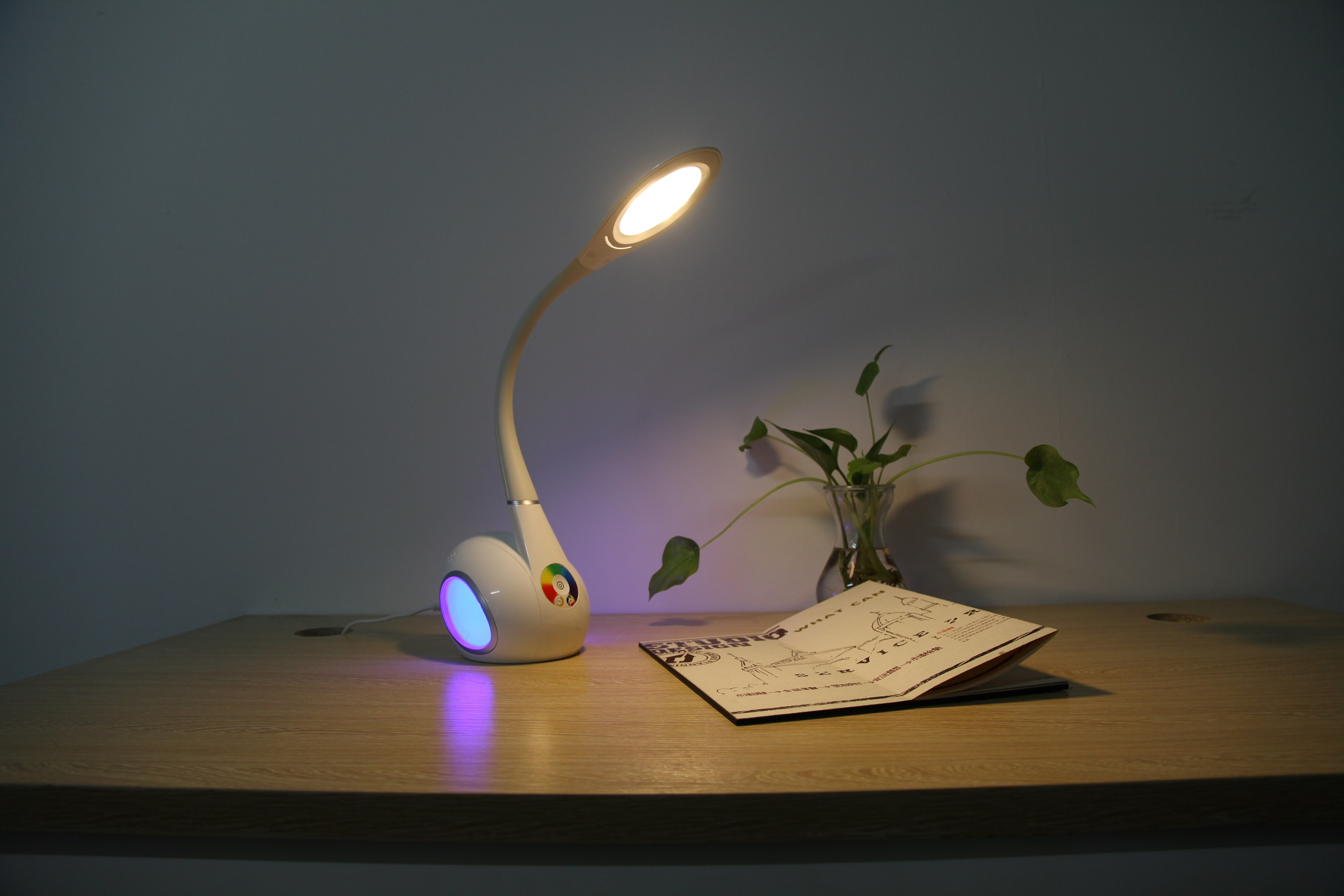 Swan Led Table Lamp With Color Changing Base Flexible Led